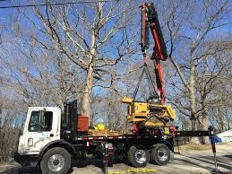 OKLAHOMA TREE SERVICE COMPANY HIGHLIGHTS THE BENEFITS OF CRANE SERVICE